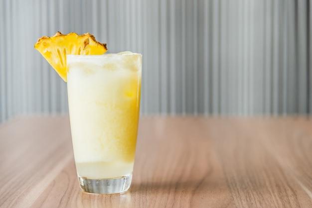 Succo di ananas cocktail Foto Gratuite