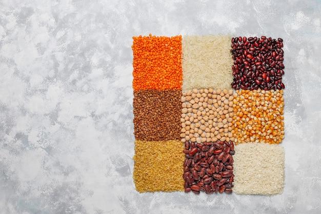 Supercibi, semi e cereali per l'alimentazione vegana e vegetariana. mangiare pulito Foto Gratuite