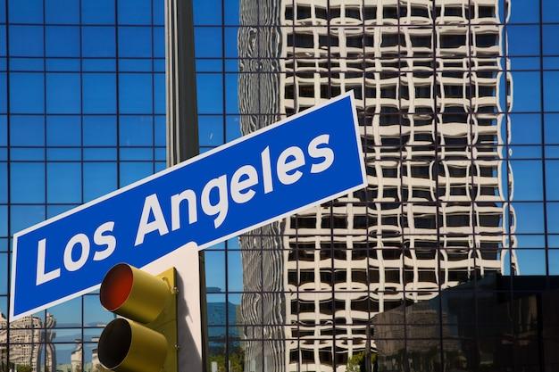 Supporto della foto del segnale stradale di spirito di los angeles los angeles la Foto Premium