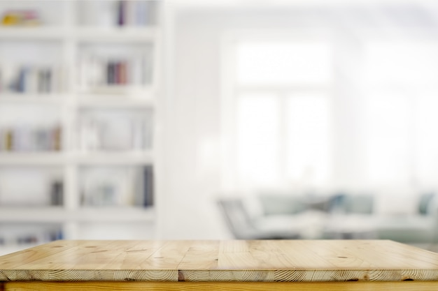 Svuoti il tavolo di scrittorio di legno nel fondo del salone Foto Premium