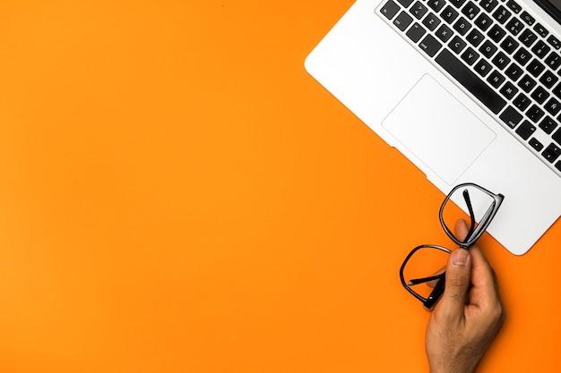 Tastiera del computer portatile di vista superiore con lo spazio della copia Foto Gratuite