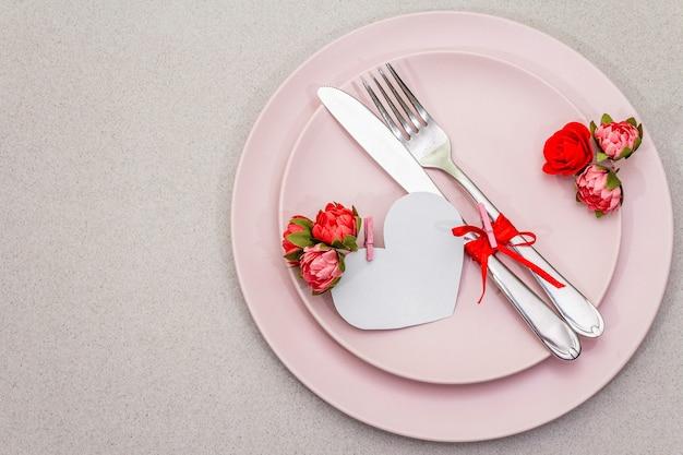 Tavola romantica per san valentino Foto Premium