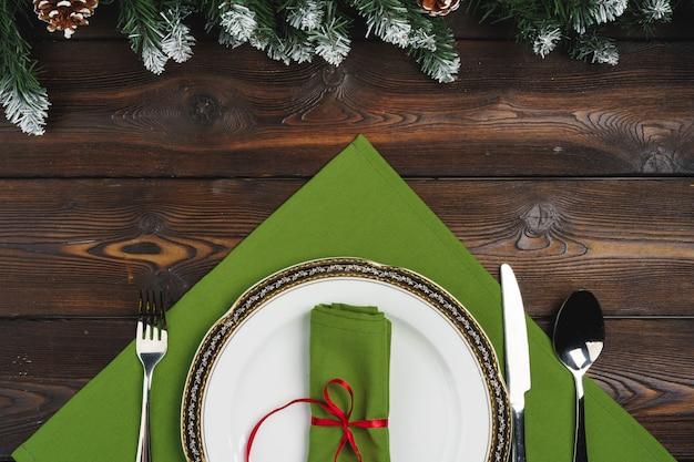 Tavolo festivo per la cena di natale, vista dall'alto Foto Premium