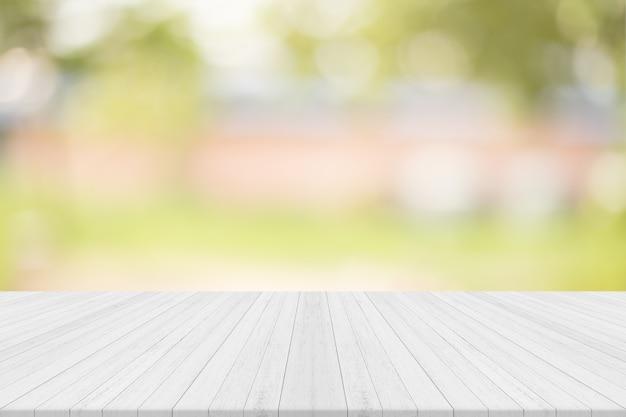 Legno Naturale Bianco : Tavolo in legno bianco con sfondo naturale spazio libero per la