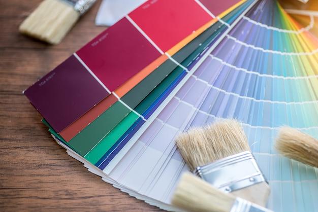 Tavolozza dei colori, guida del catalogo dei campioni di vernice Foto Premium