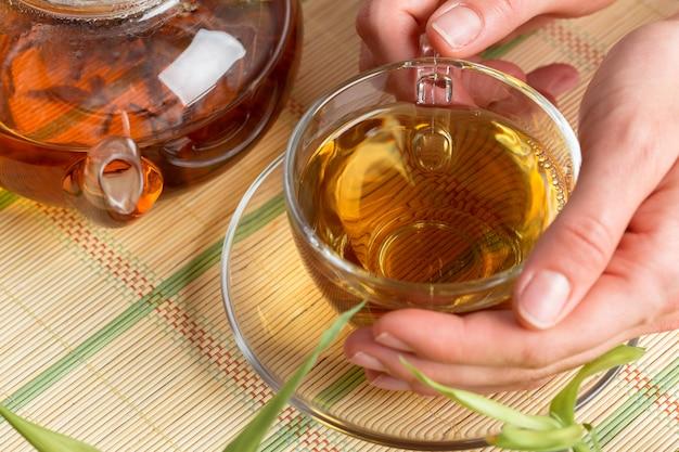 Tazza di tè del mattino Foto Premium