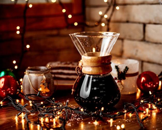 Tè nero sul tavolo Foto Gratuite