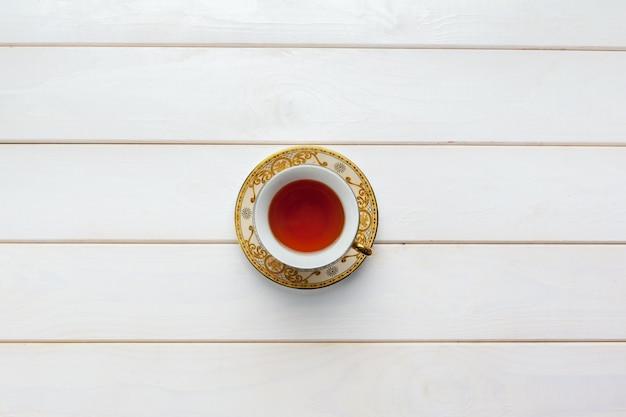 Tè sul tavolo di legno Foto Premium
