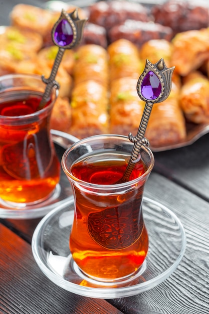 Tè turco in vetro tradizionale Foto Premium
