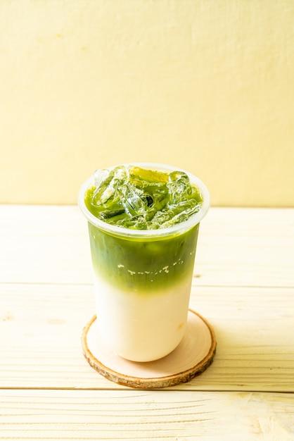 Tè verde freddo matcha latte Foto Premium