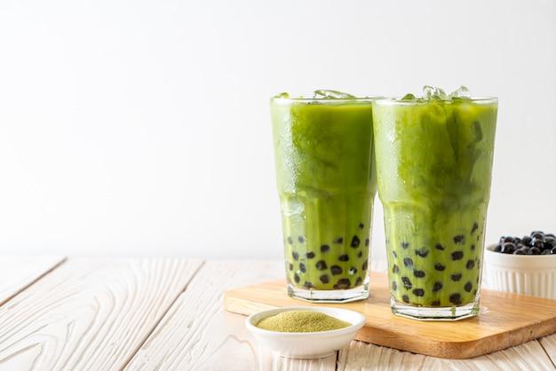 Tè verde matcha latte con bolla Foto Premium