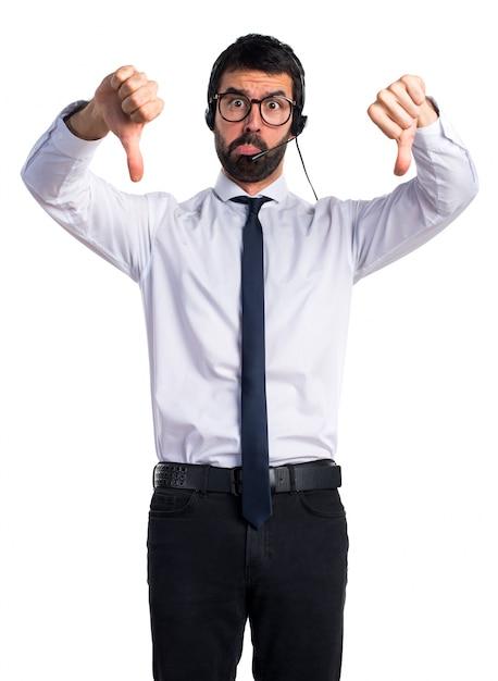 Telemarketer frustrato uomo Foto Gratuite