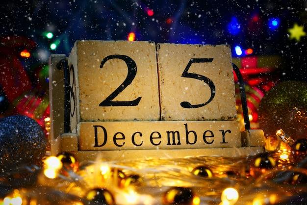 Giorno Di Natale.Tema Del Giorno Di Natale Con Decorare E Abete Festivo Data
