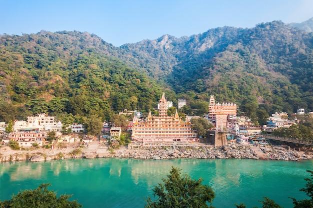 Tempio di trayambakeshwar, rishikesh Foto Premium