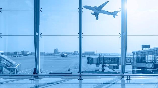 Terminal dell'aeroporto Foto Gratuite