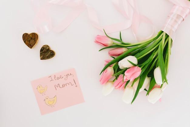 Ti amo iscrizione mamma con tulipani Foto Gratuite