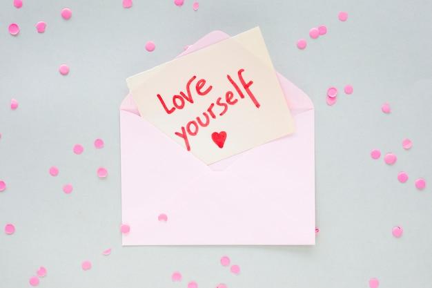 Ti amo iscrizione su carta in busta Foto Gratuite