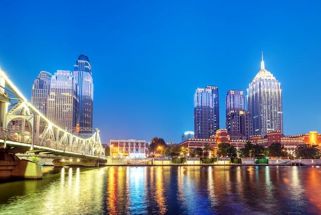 Tianjin city, cina, vista notturna Foto Premium