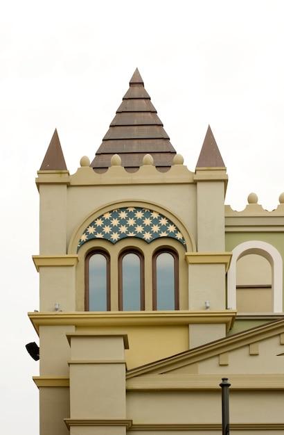 Timpano di un castello Foto Premium