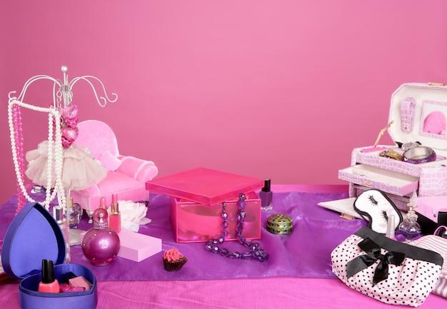 Toeletta vanità trucco moda stile barbie Foto Premium