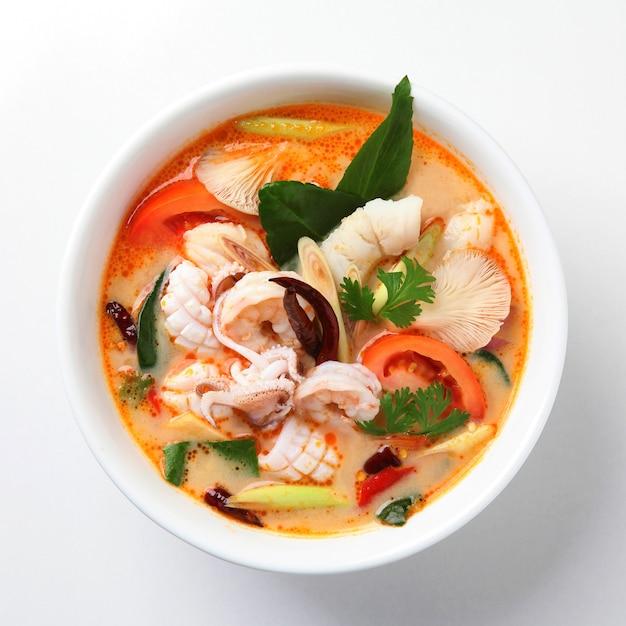 Tom yum soup, cibo tailandese Foto Premium