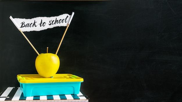 Torna a scuola banner orizzontale Foto Premium