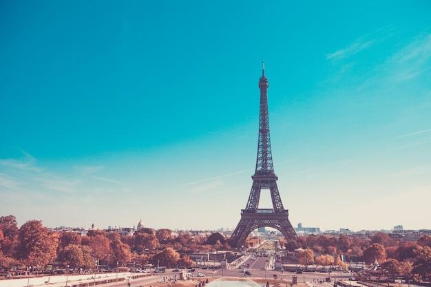 Torre eiffel, simbolo di parigi, francia. le migliori destinazioni di parigi in europa Foto Premium
