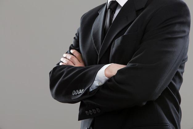 Torso di uomo d'affari in tuta Foto Gratuite