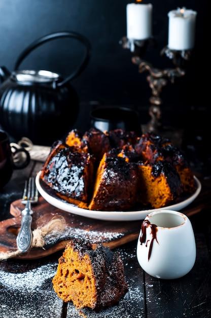 Torta con marmellata e cioccolato Foto Premium