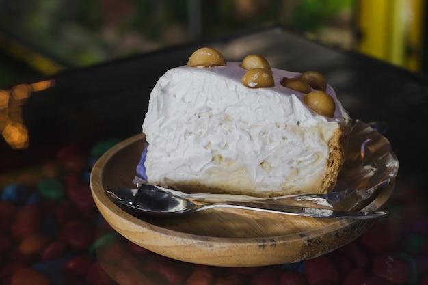 Torta di cocco giovane Foto Premium