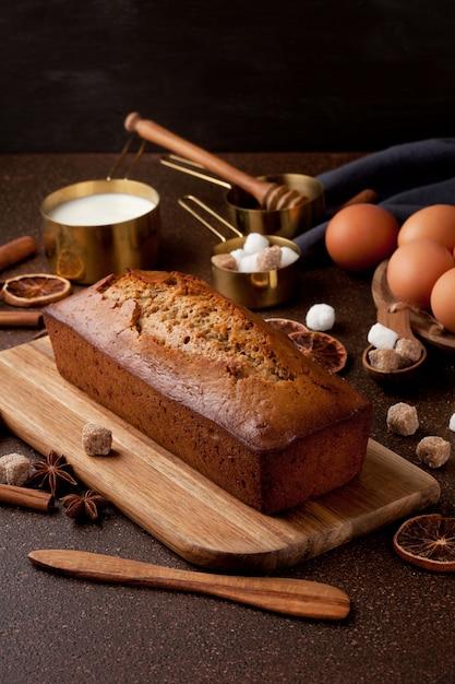 Torta di pan pepato tradizionale speziata Foto Premium