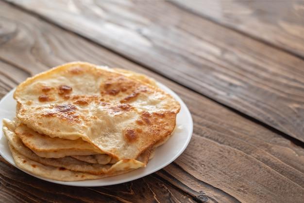 Torte di pane fritto Foto Premium