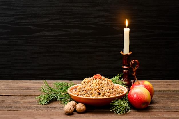 Tradizionale trattamento natalizio alla vigilia di natale slavi kutia Foto Premium