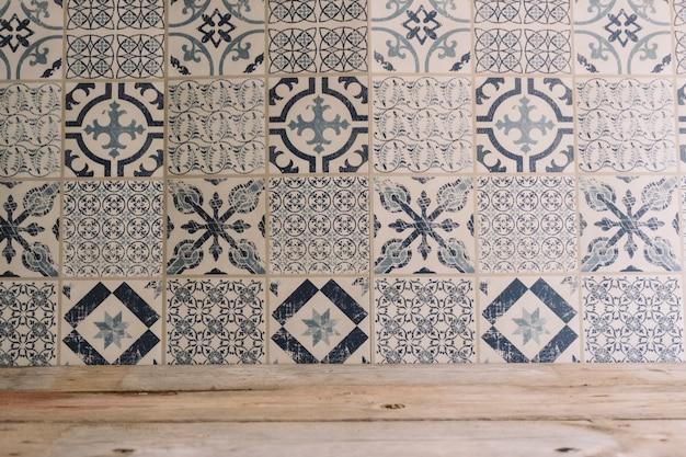 Trama in legno e piastrelle a mosaico scaricare foto gratis