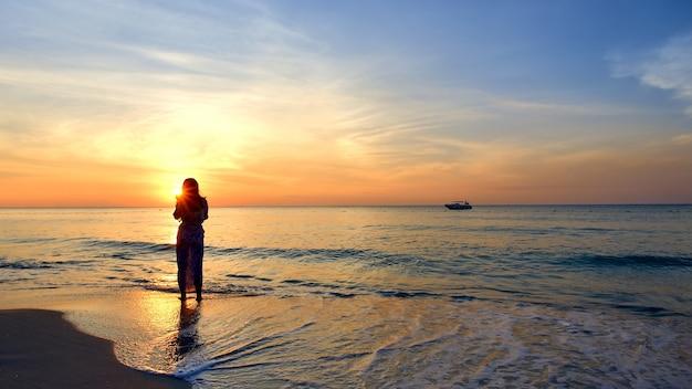 Tramonto sul mare Foto Premium