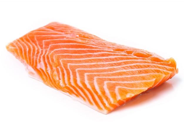 Trancio di salmone crudo Foto Gratuite