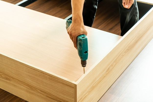 Trapano per la fabbricazione di mobili Foto Premium