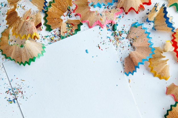Trucioli di matita colorata Foto Premium