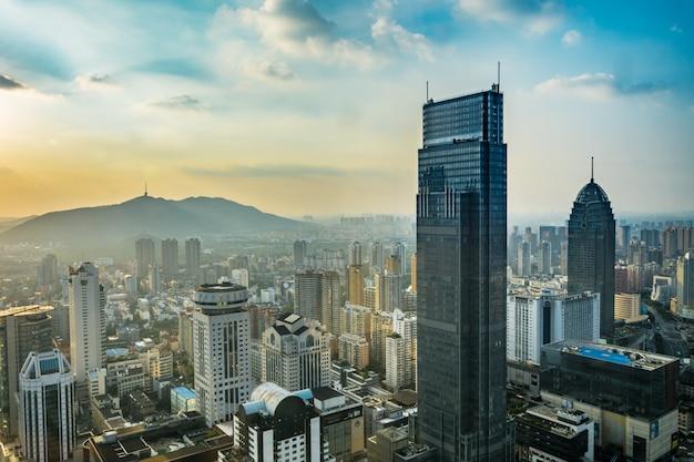 Ufficio business del turismo cielo paesaggio urbano Foto Gratuite
