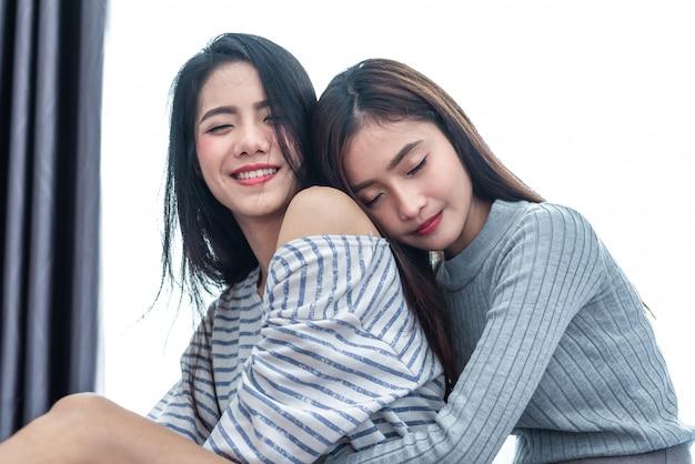 Nero asiatico lesbiche