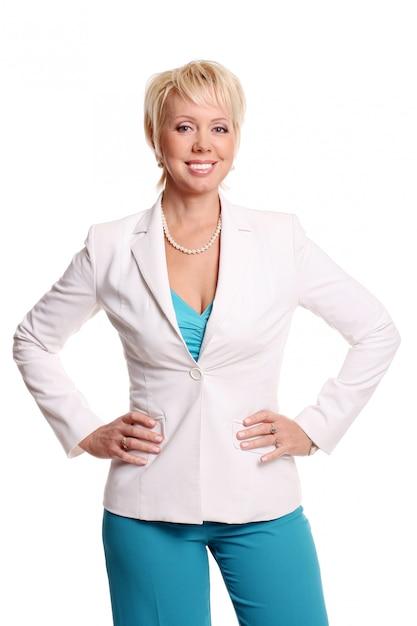 Una bella donna attraente su bianco Foto Gratuite