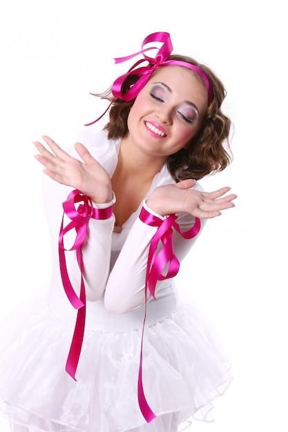 Una bella donna giovane e felice Foto Gratuite