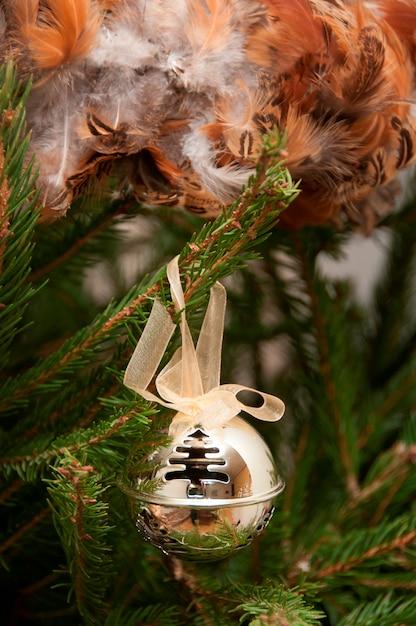 Una decorazione dell'albero di natale Foto Premium