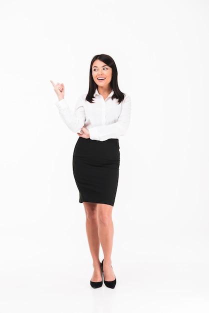 Una donna d'affari asiatica felice Foto Gratuite