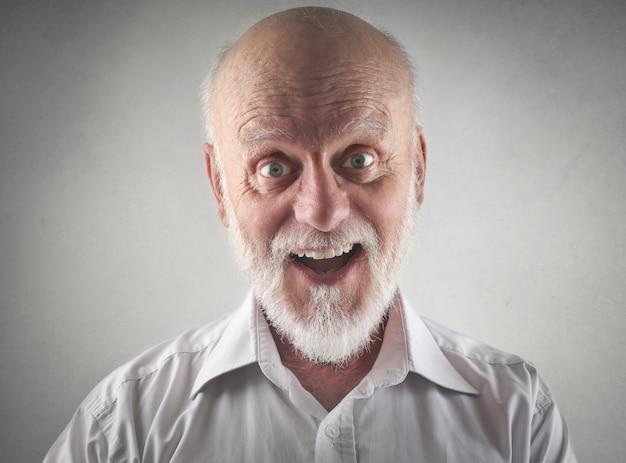 Uomo anziano sorridente Foto Premium