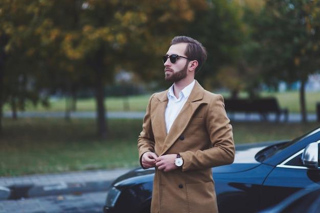 Uomo bello di affari Foto Premium