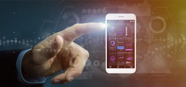 Uomo d'affari che tiene smartphone con i dati dell'interfaccia utente sullo schermo isolato Foto Premium
