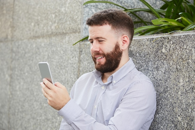Uomo d'affari di videochiamata Foto Gratuite