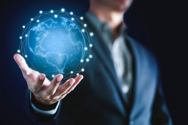 Uomo d'affari e tecnologia di rete Foto Premium
