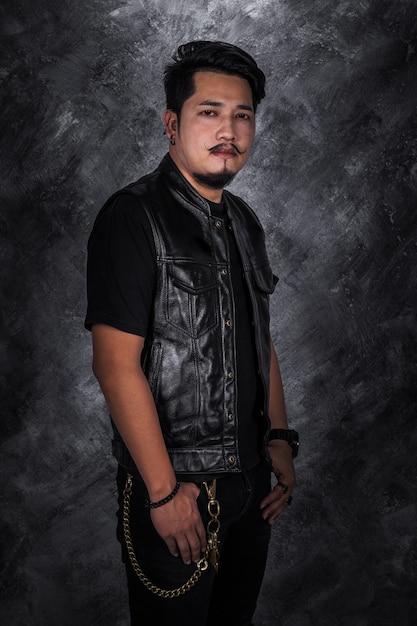 promo code 8af54 922ce Uomo del motociclista in giacca di pelle nera | Scaricare ...